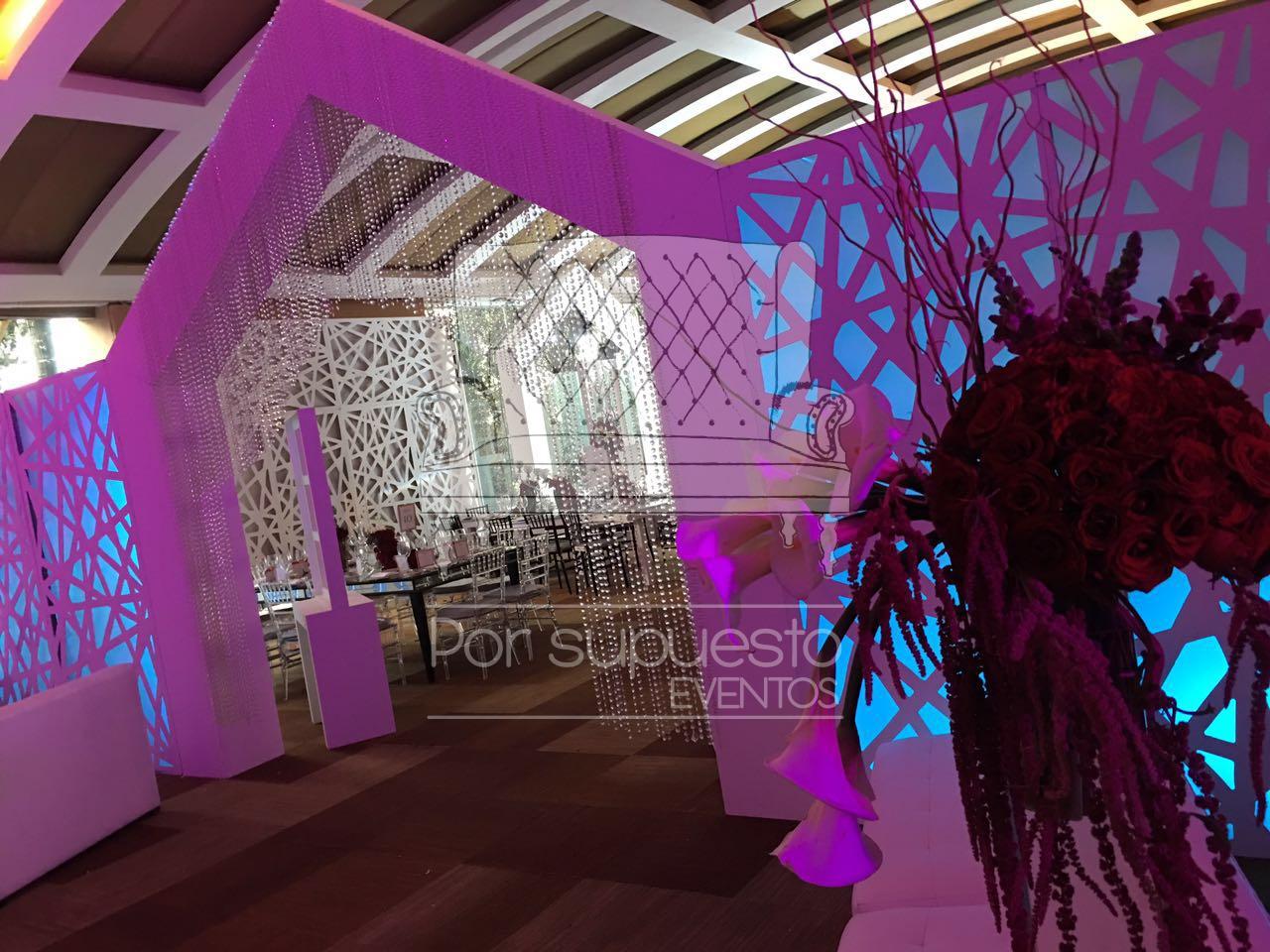 Por Supuesto Eventos, mobiliario, ambientación y display para toda ocasión